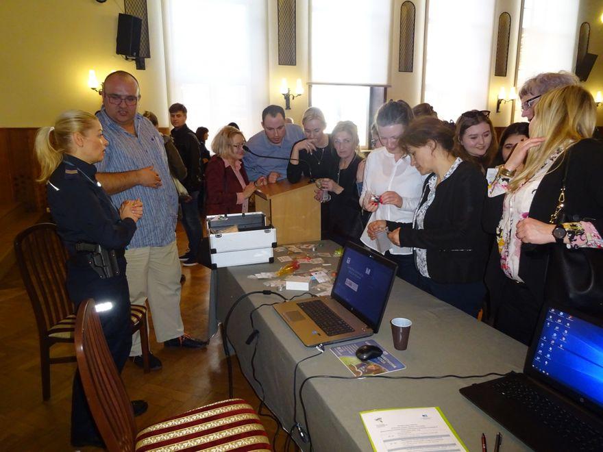 Jelenia Góra: Konferencja: przeciw środkom odurzającym