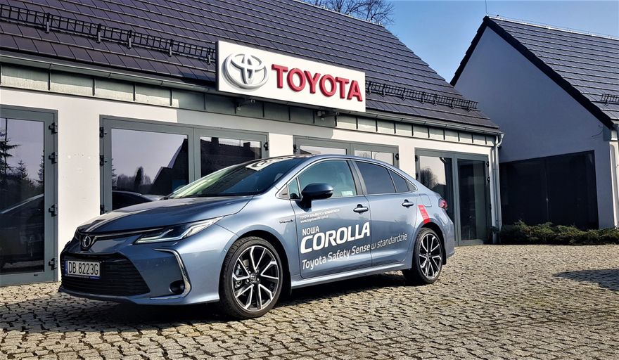 Jelenia Góra: Debiut hybrydowej Toyoty Corolli w Jeleniej Górze