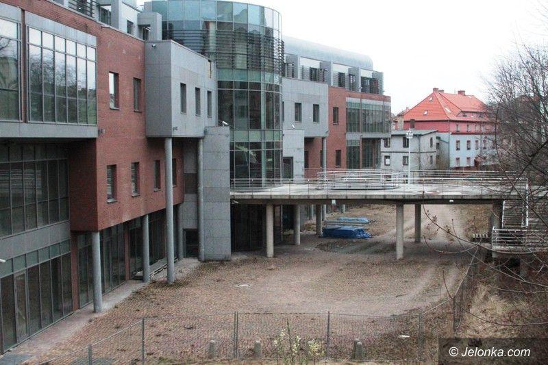 Jelenia Góra: Zamiast hotelu ruina