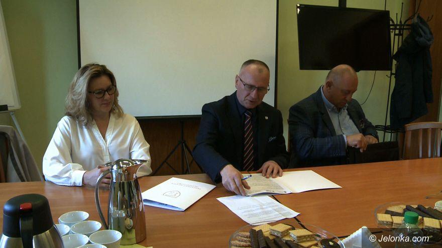 Jelenia Góra: Podpisali umowę na przebudowę ulicy Krakowskiej