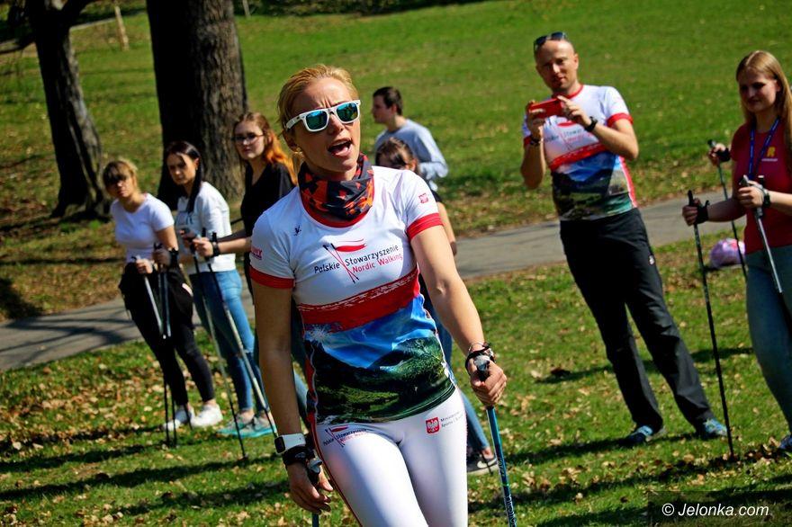 Jelenia Góra: Młodzież polubiła nordic walking