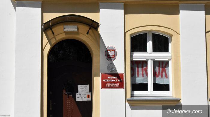 Jelenia Góra: Strajk, a co z maluchami?