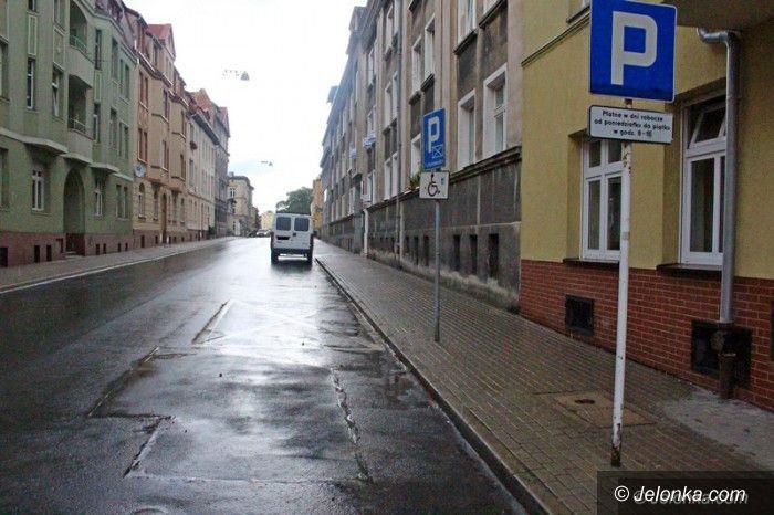 Jelenia Góra: Mniej do kasy miasta za płatne parkingi w Jeleniej Górze