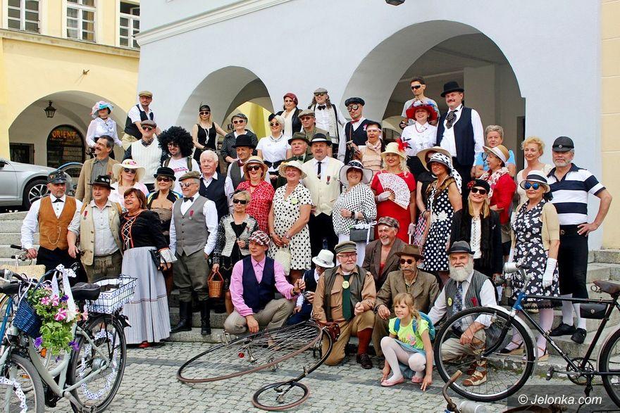 Jelenia Góra: Rowerowa zabawa w stylu retro