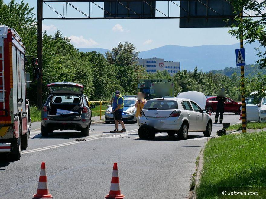 Jelenia Góra: Zderzenie trzech aut