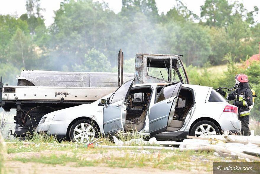 Jeżów Sudecki: Paliły się samochody