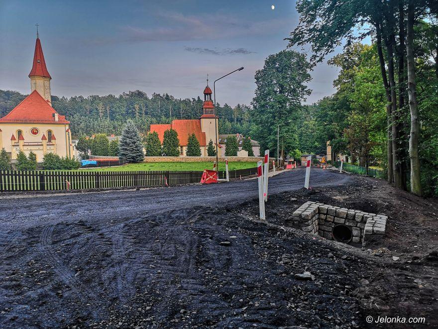 Region: Trwa remont drogi Radomierz – Janowice