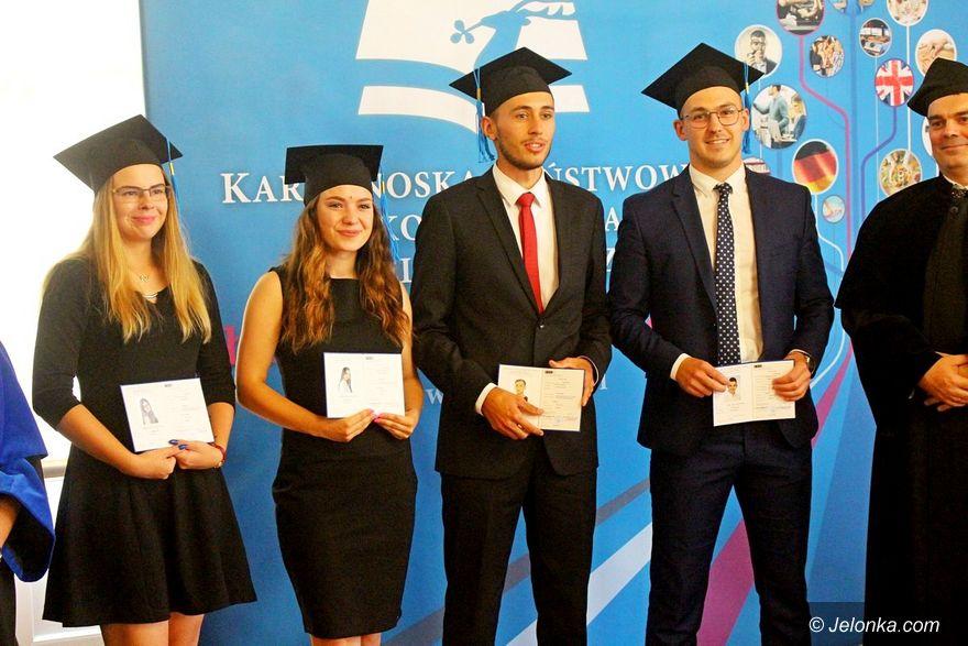 Jelenia Góra: Pierwsze magisterki w KPSW