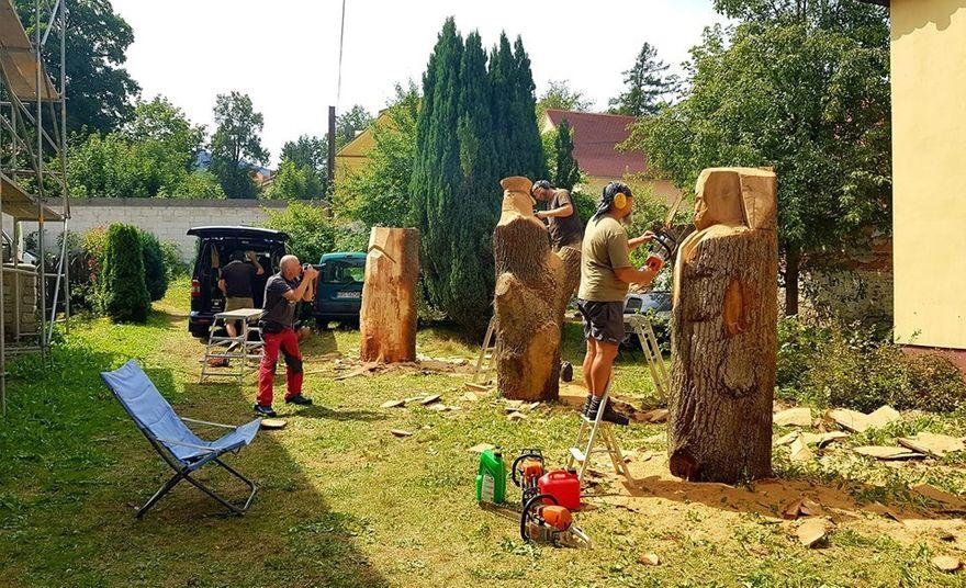 Kowary: Rzeźbiarze w akcji