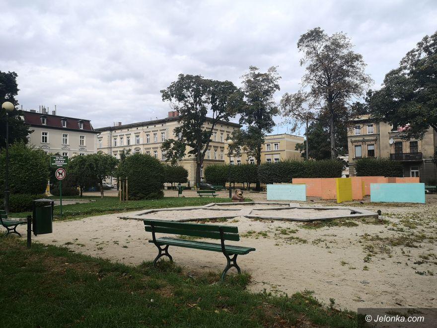 Jelenia Góra: Plac zabaw po przetargu