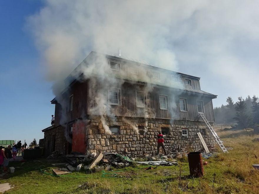 Karkonosze: Pożar na Przełęczy Karkonoskiej