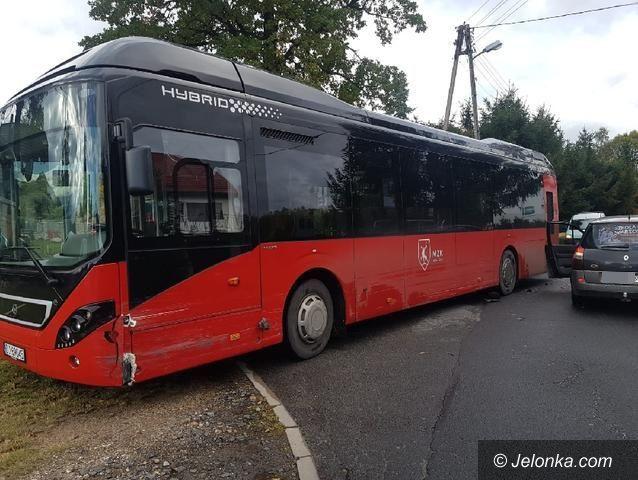 Jelenia Góra: Kolizja z autobusem MZK