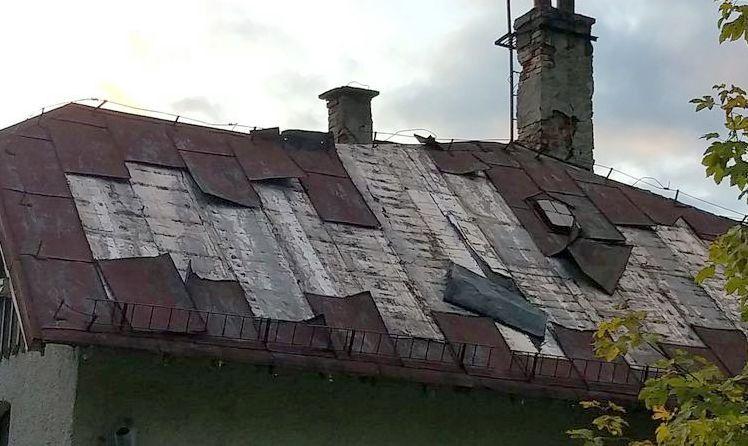 Szklarska Poręba: Kradli blachę z dachu