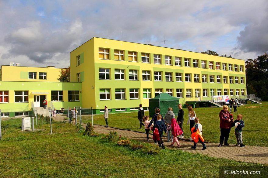 Łomnica: Piękna szkoła po remoncie