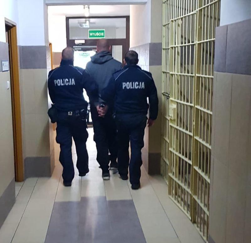 Jelenia Góra: Areszt za rozbój