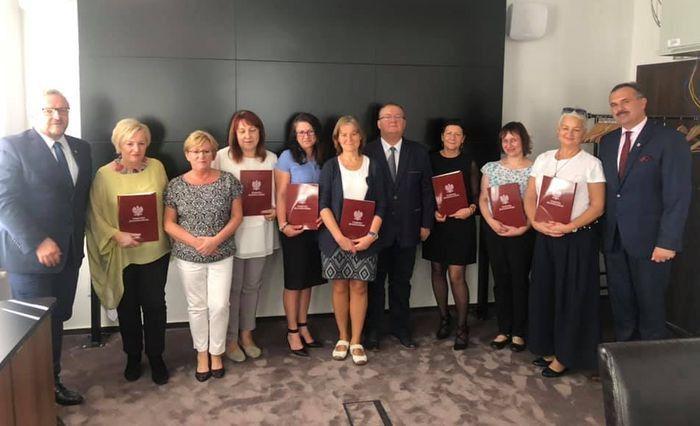 Powiat: Nagrody dla nauczycieli
