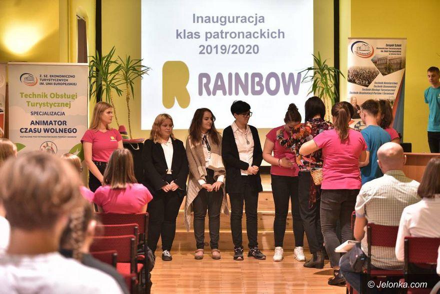 Jelenia Góra: Inauguracja klas patronackich Rainbow