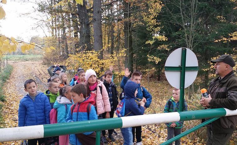 Jelenia Góra: Zbierali kasztany i żołędzie, by pomóc zwierzakom