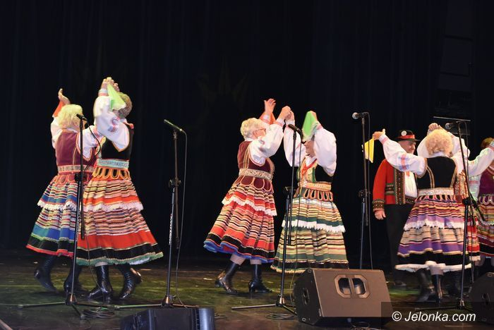 Jelenia Góra: Seniorzy na scenie
