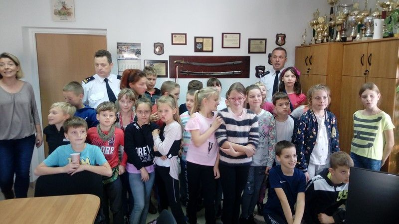 """Jelenia Góra: Uczniowie """"Szóstki"""" w Straży Miejskiej"""