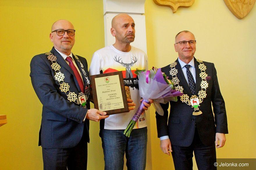Jelenia Góra: Rafał Fronia odebrał nagrodę rajców