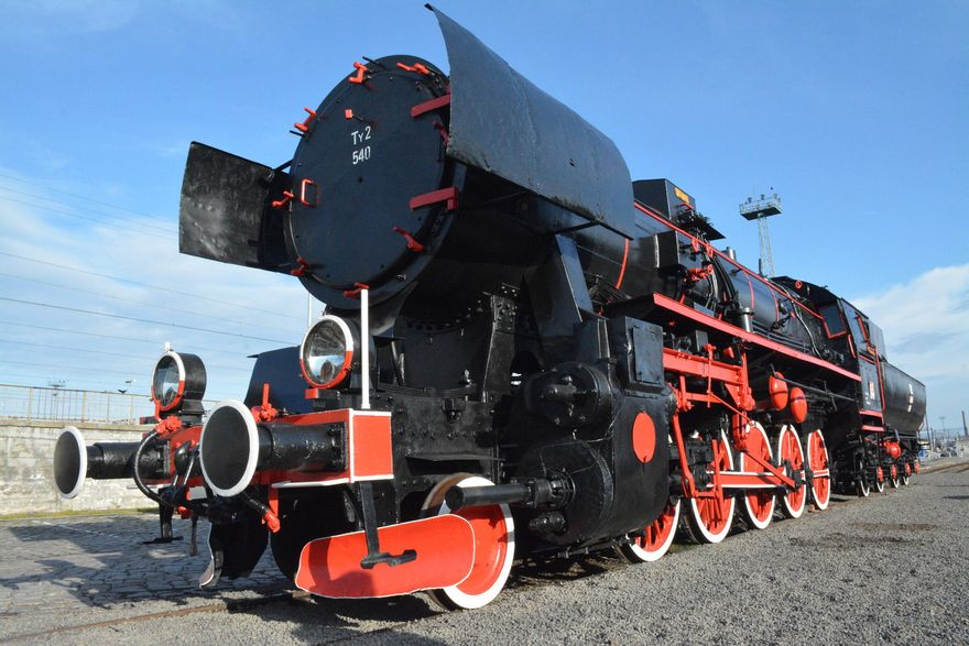 Legnica: Stoi na stacji lokomotywa...