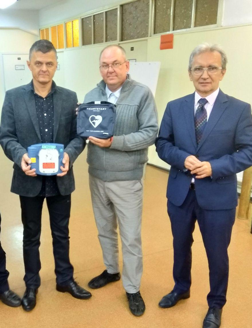 Jelenia Góra: Filmowy konkurs o defibrylatorach