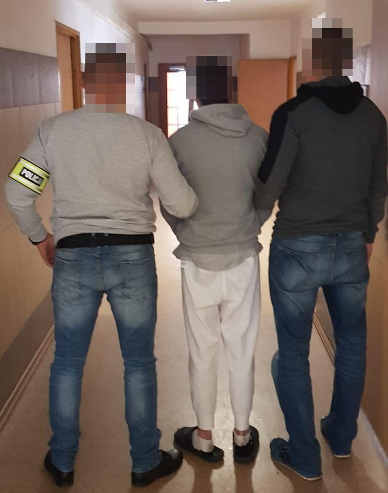 Jelenia Góra: Policjanci w czasie wolnym zatrzymali poszukiwanego
