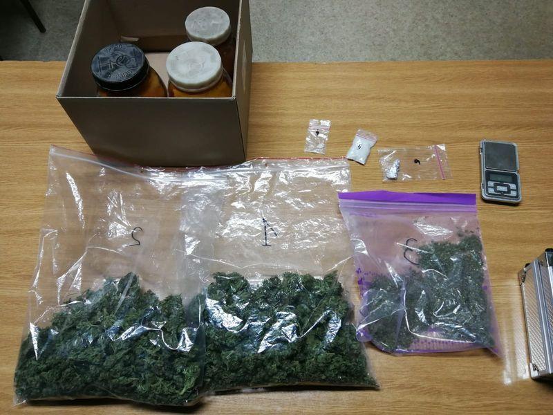 Jelenia Góra: 21–latka aresztowana za narkotyki