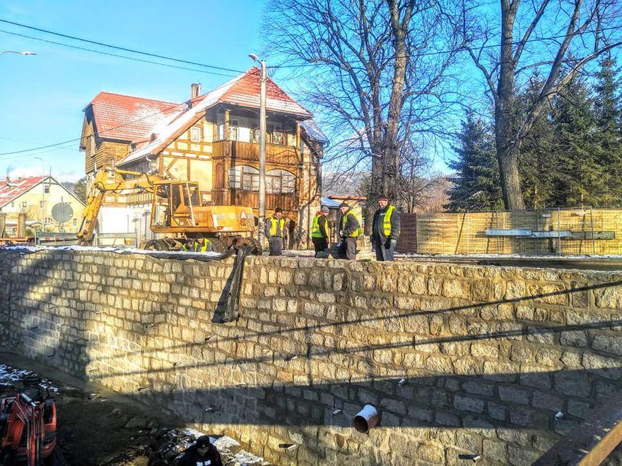 Kowary: Mur oporowy został naprawiony