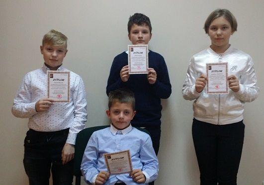 Jelenia Góra: Czterech recytatorów SP 7 w finale wojewódzkim