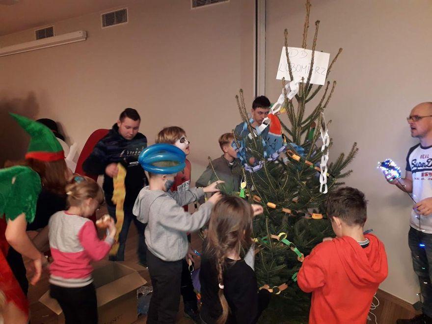 Łomnica: Świąteczna zabawa