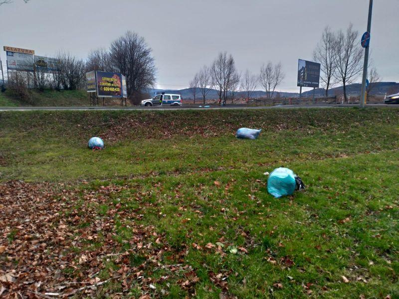 Jelenia Góra: Podrzuciła śmieci – strażnicy znaleźli ją
