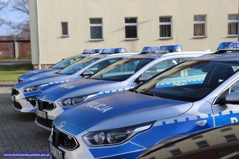 Region: Dla dolnośląskiej policji 55 nowych radiowozów