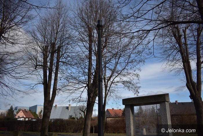 Piechowice: Wandale w Parku Kryształowym