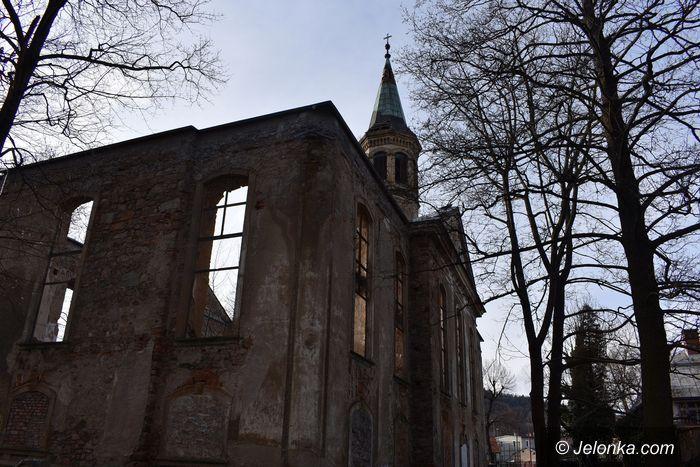 Miłków: Zakaz wstępu na cmentarz w Miłkowie