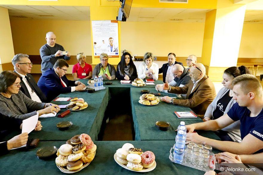 Jelenia Góra: Szpital na krawędzi!