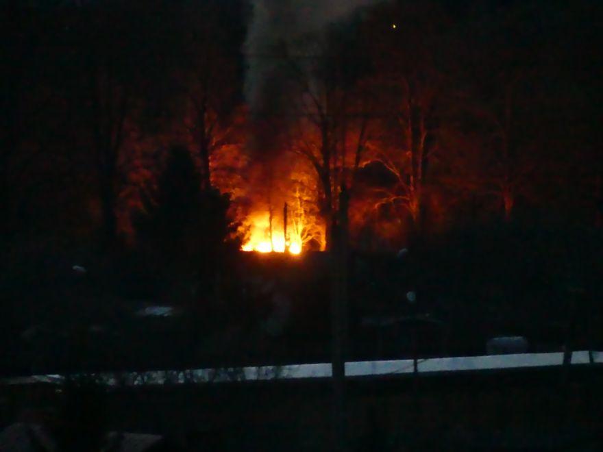 Jelenia Góra: Pożar dzikiego wysypiska