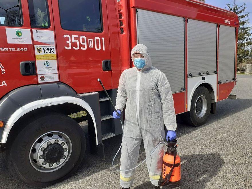 Mysłakowice: Strażacy odkażają gminę