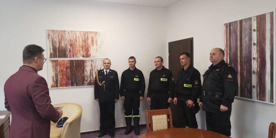 Powiat: Nagrody dla strażaków