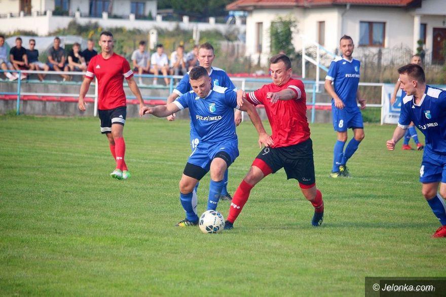 IV liga piłkarska: Będzie dwumecz o awans do piłkarskiej III ligi