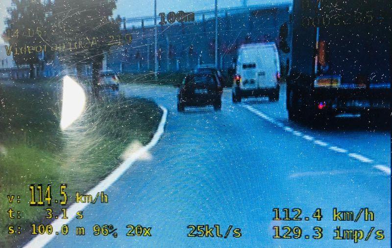 Jelenia Góra: Kolejny kierowca stracił prawo jazdy za zbyt szybką jazdę