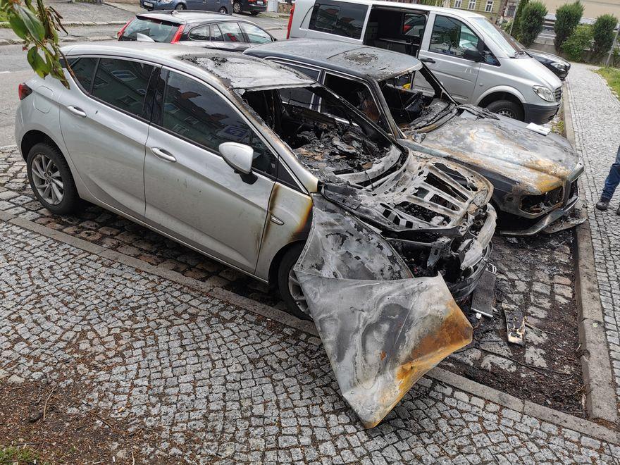 Jelenia Góra: Pożar samochodów na Kubsza