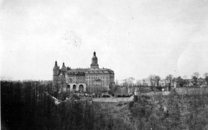 Wałbrzych: Dewastacja zamku nad zamkami