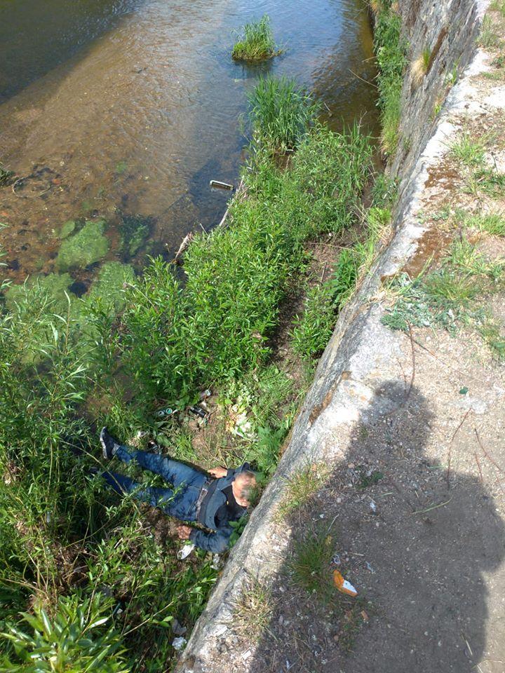 Jelenia Góra: Wpadł do koryta rzeki