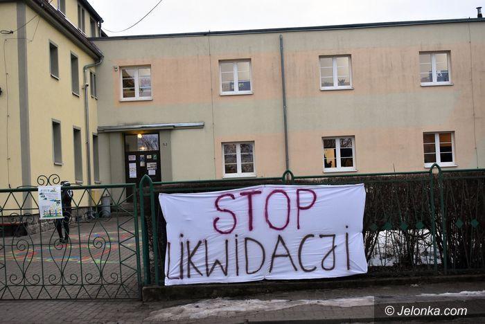 Sosnówka, Miłków: Poseł R. Obaz interweniuje w sprawie likwidacji dwóch szkół
