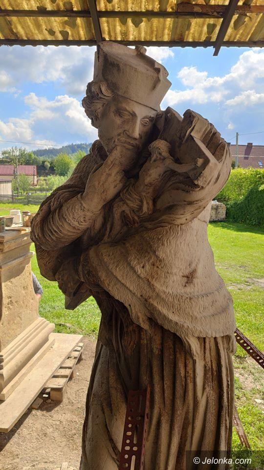 Kamienna Góra: Renowacja figury św. Jana Nepomucena