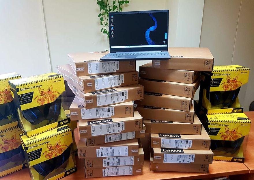 Czarny Bór: Laptopy w prezencie dla uczniów