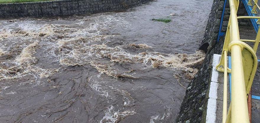 Region: Rzeki w regionie stają się groźne (aktualizacja)