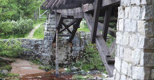 Góry Izerskie: Most grozi zawaleniem